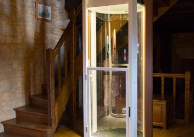 SHAFT-LESS ELEVATOR